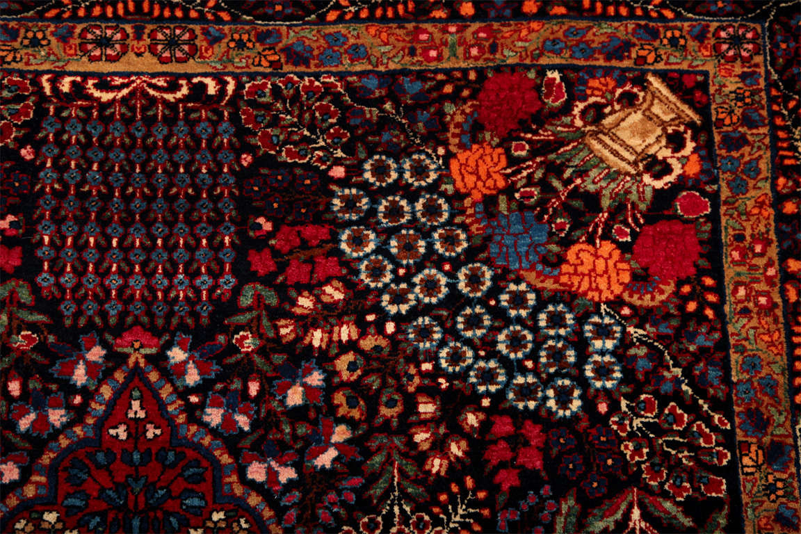 Persian Amoghli Carpet with Organic Wool and Dyes, circa 1890 For Sale 4