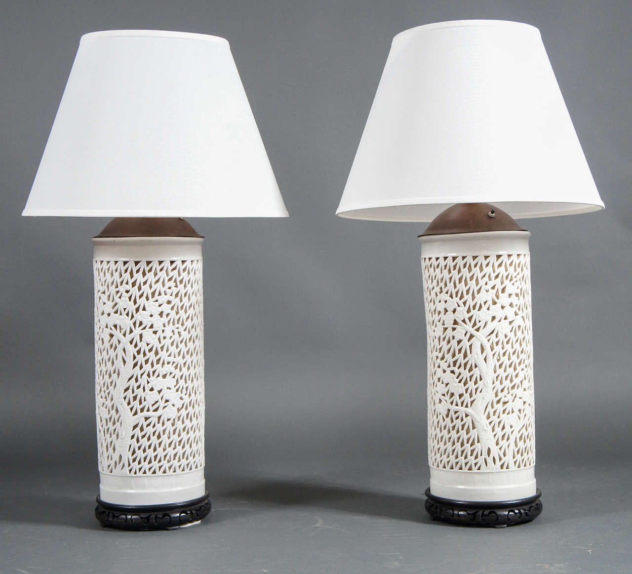 Pair of Japanese porcelain lamps