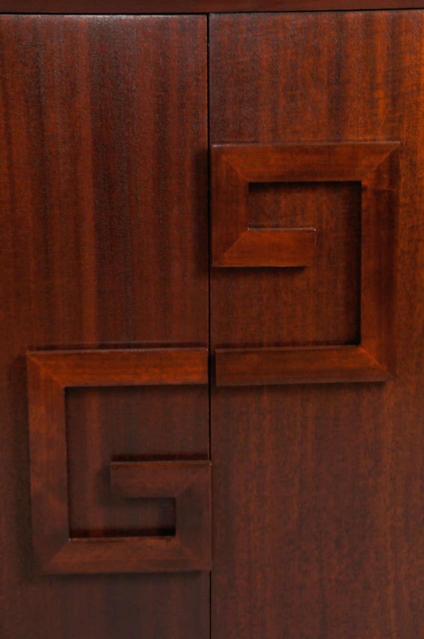 Pair of Kittinger Bedside Cabinets For Sale 1