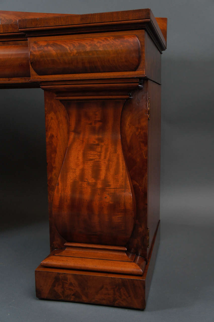 Sideboard In Excellent Condition For Sale In Hudson, NY