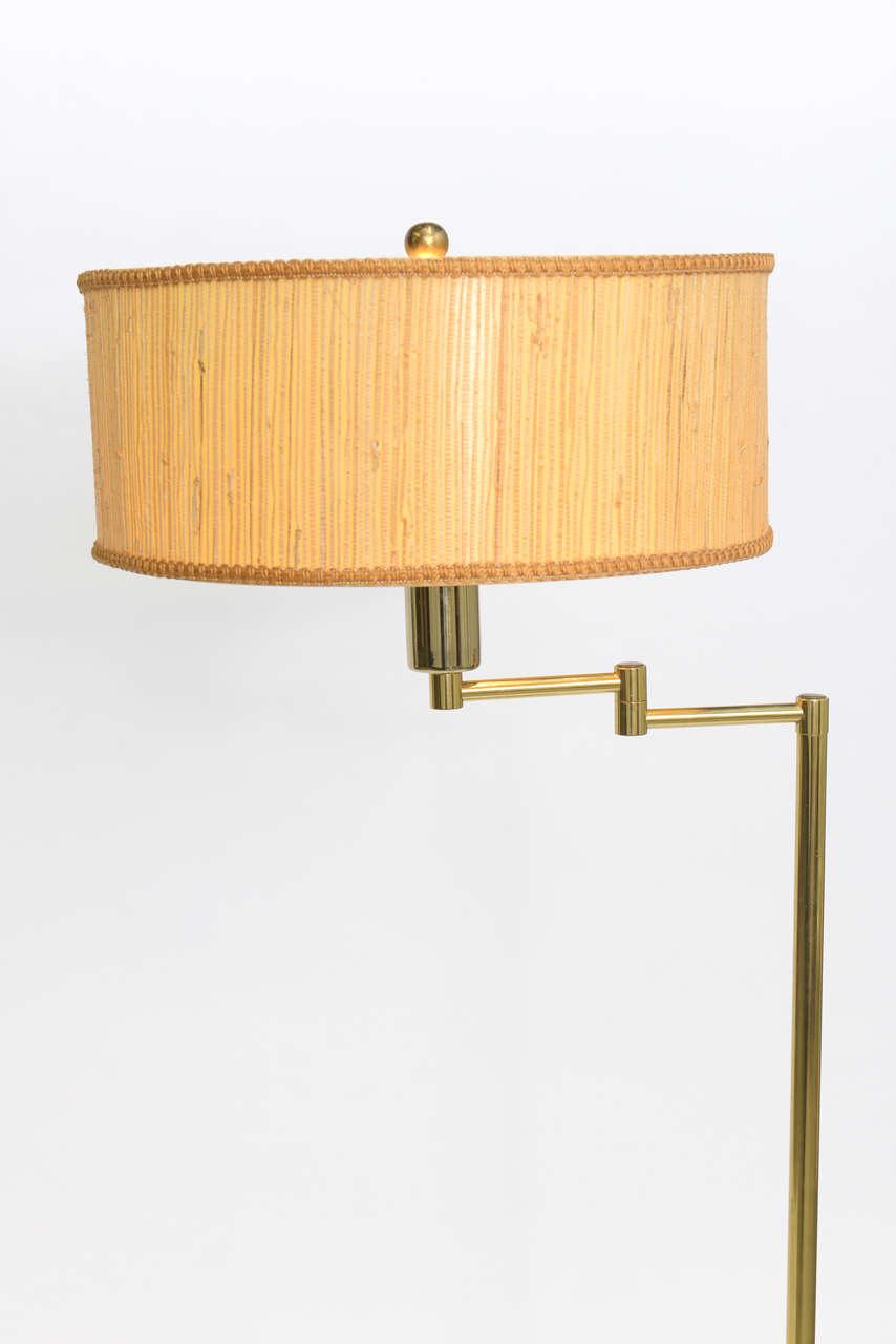 Mid-Century Modern Laurel Brass Nessen Style Floor Lamp For Sale