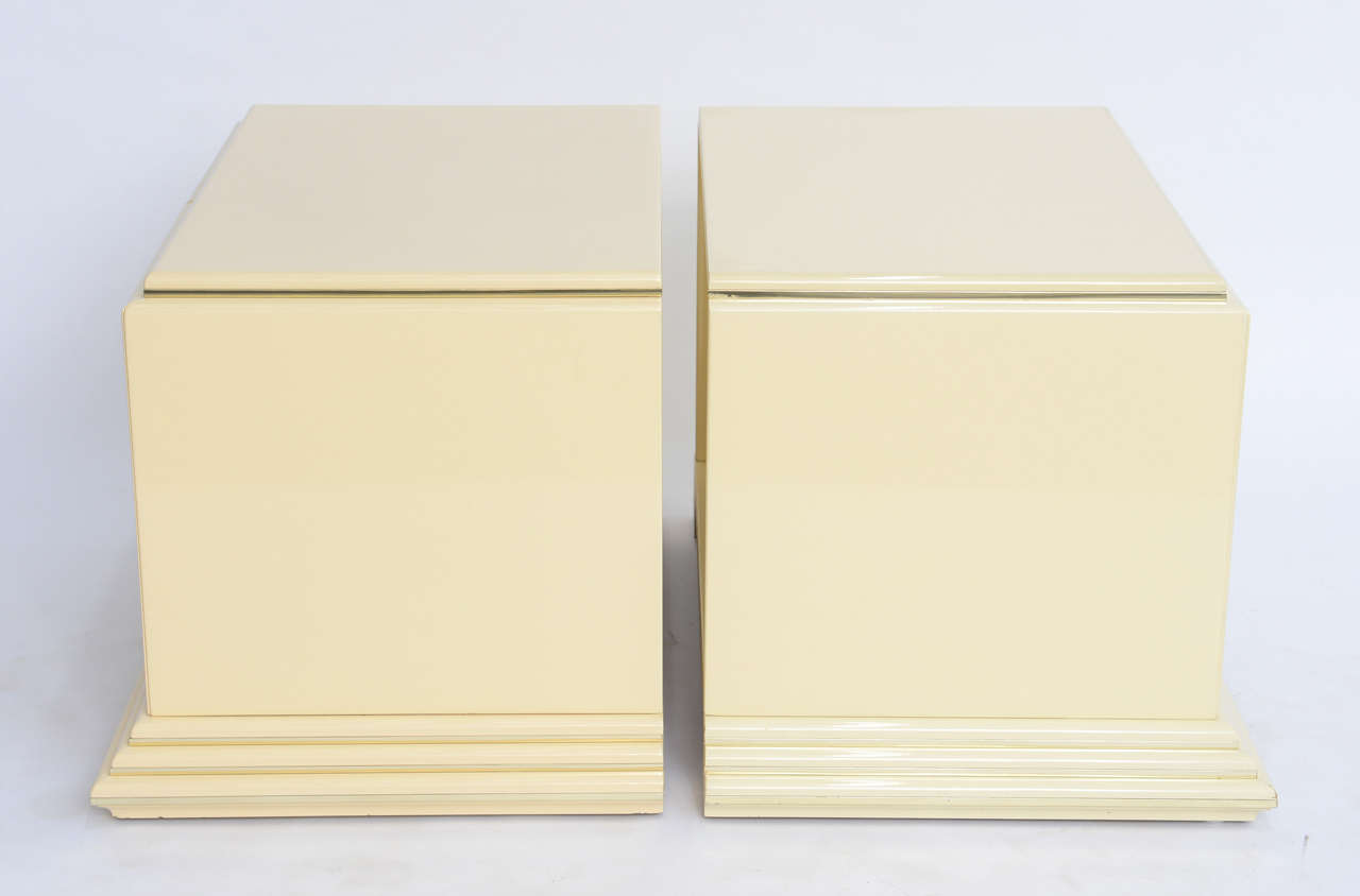 Pair of Rougier Streamline Moderne Style Cream Lacquer Bedside Tables For Sale 1