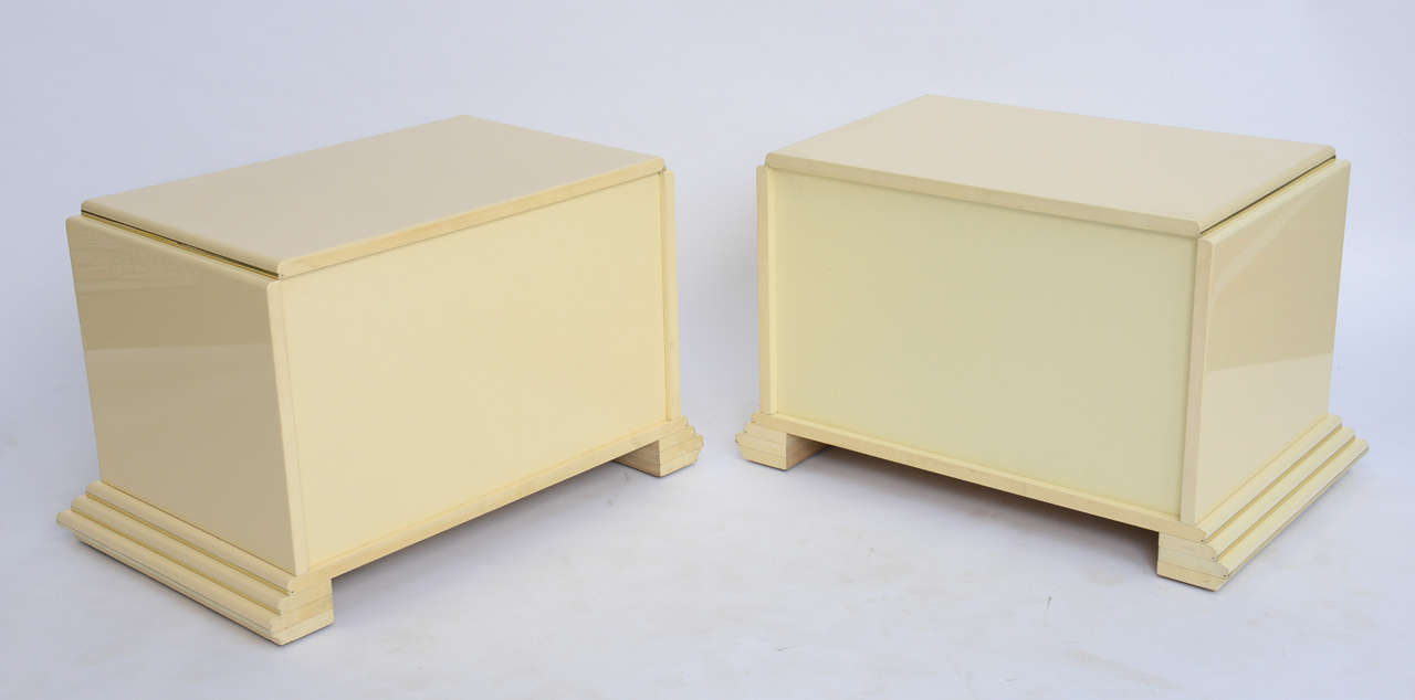 Pair of Rougier Streamline Moderne Style Cream Lacquer Bedside Tables For Sale 2