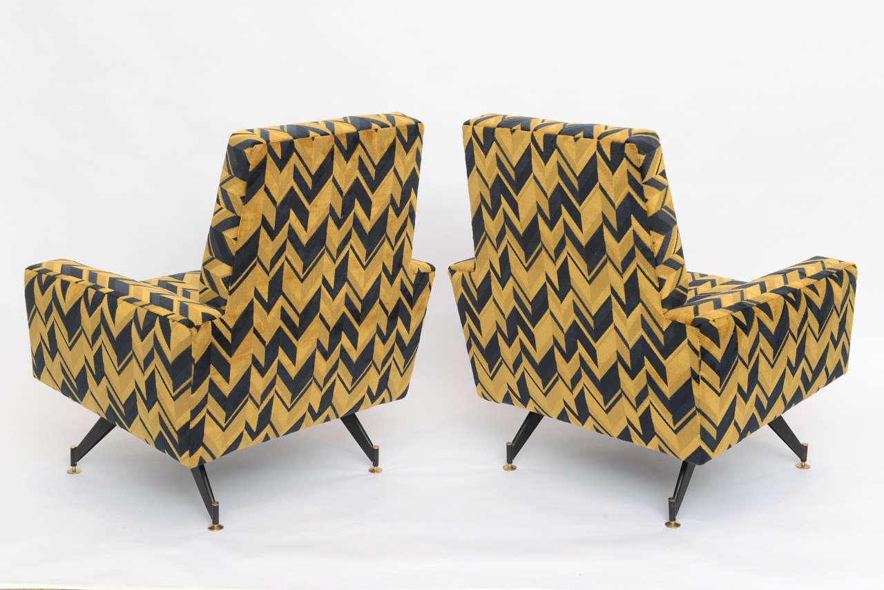 Original Pair of Chic Lounge Chairs by Osvaldo Borsani For Sale 1
