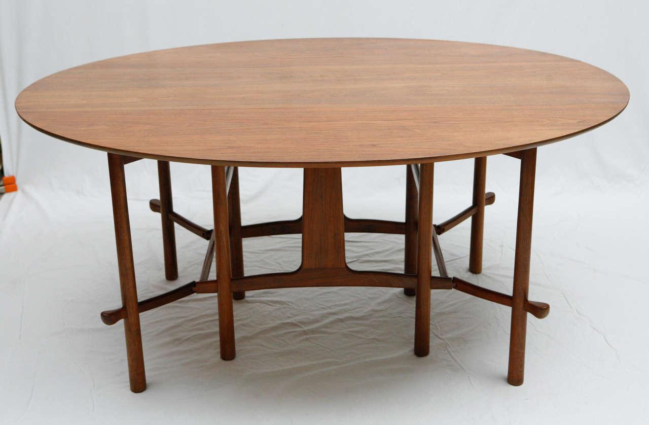 Heritage Henredon Gateleg Table. Table Is 20