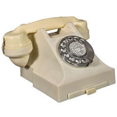 Mint original streamline bakelite telephone