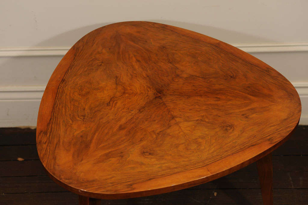 Three Legged Occasional Table In Excellent Condition In Toronto, ON
