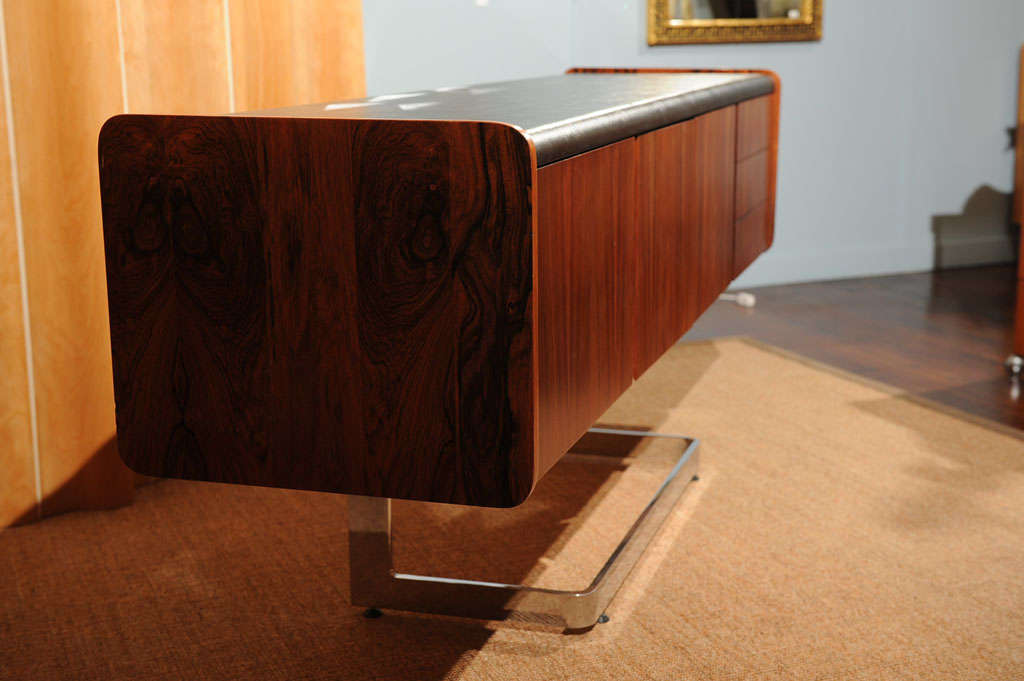 Mid-20th Century Rosewood Credenza For Sale
