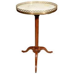 Directoire Adjustable Stand