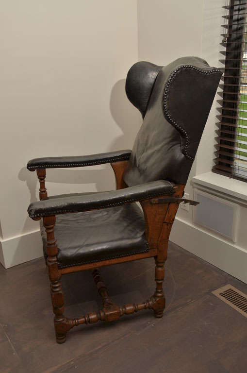 Antique Reclining Patinated Leather Fauteuil Malade Armchair with Three Settings For Sale 3