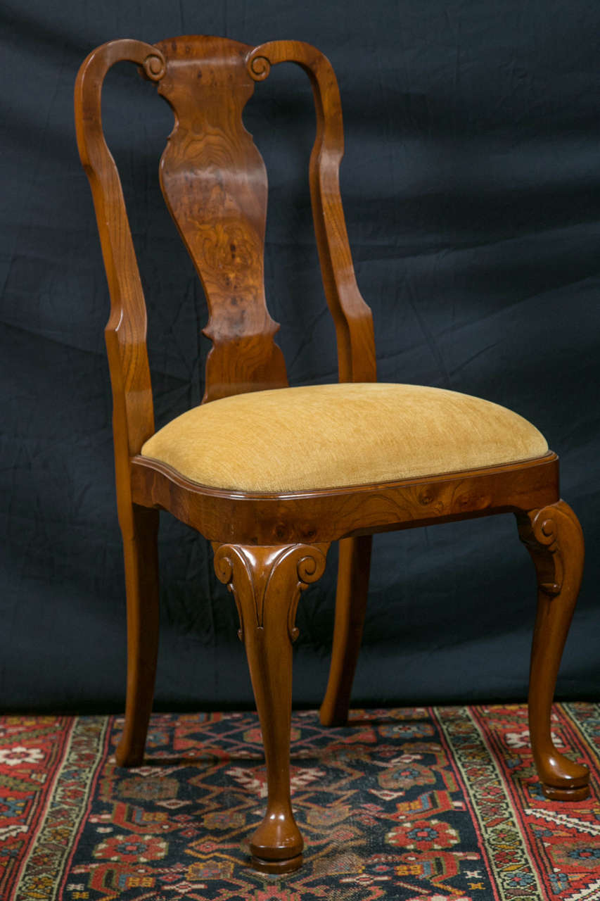 Italian Walnut Queen Anne Style Dining Chairs / 2 Arms and 8 Sides  For Sale
