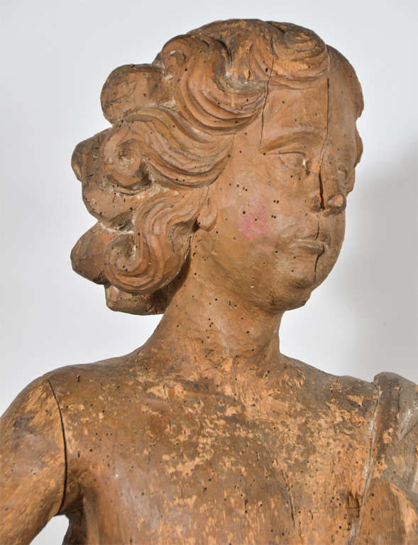18th Century Carved Wooden Angel In Excellent Condition For Sale In Houston, TX