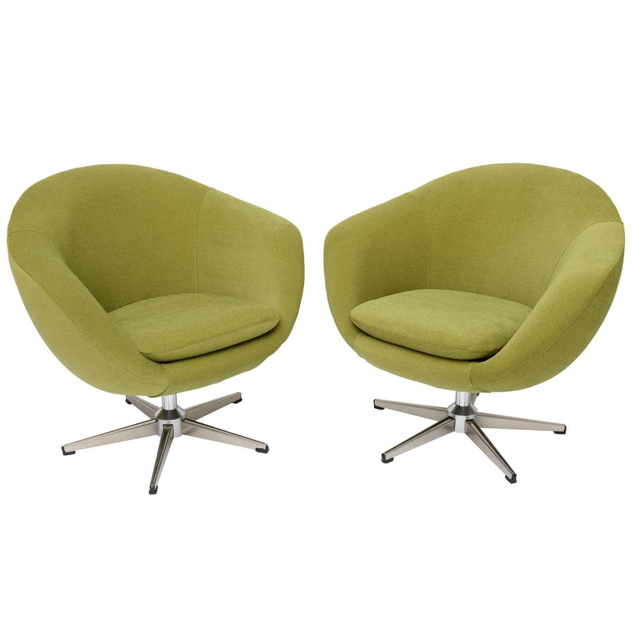 Clic Swedish Overman Swivel Egg Chairs For