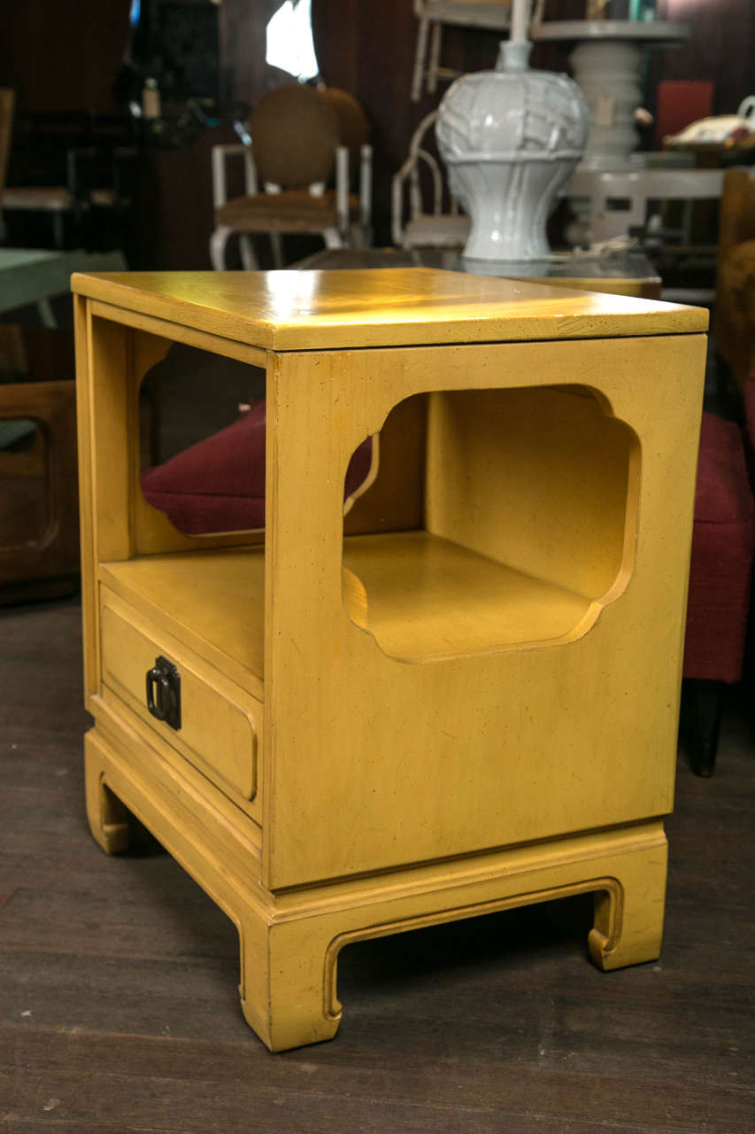 Pair Of Davis Cabinet Company Side Tables At 1stdibs