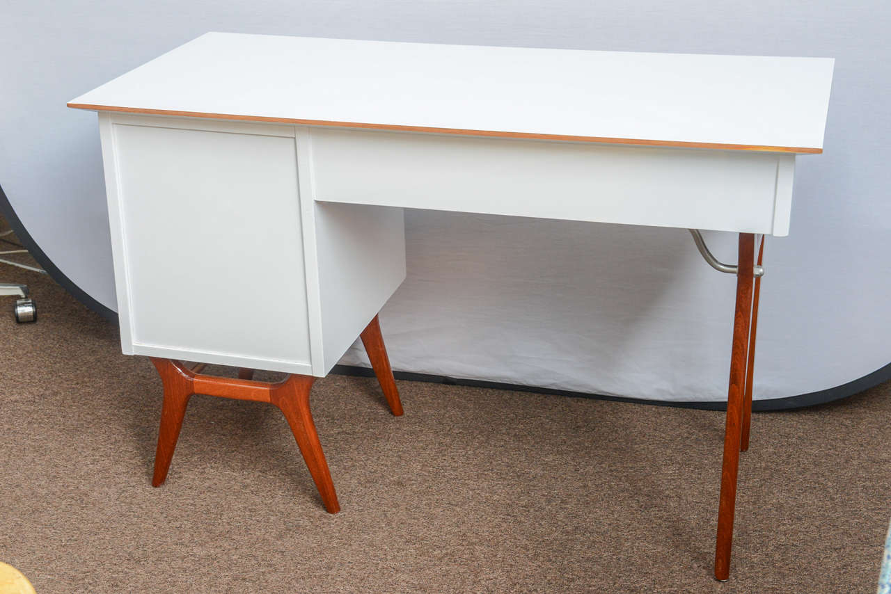 Mid-20th Century Mid-Century Teak and White Lacquered Desk by R-Way For Sale