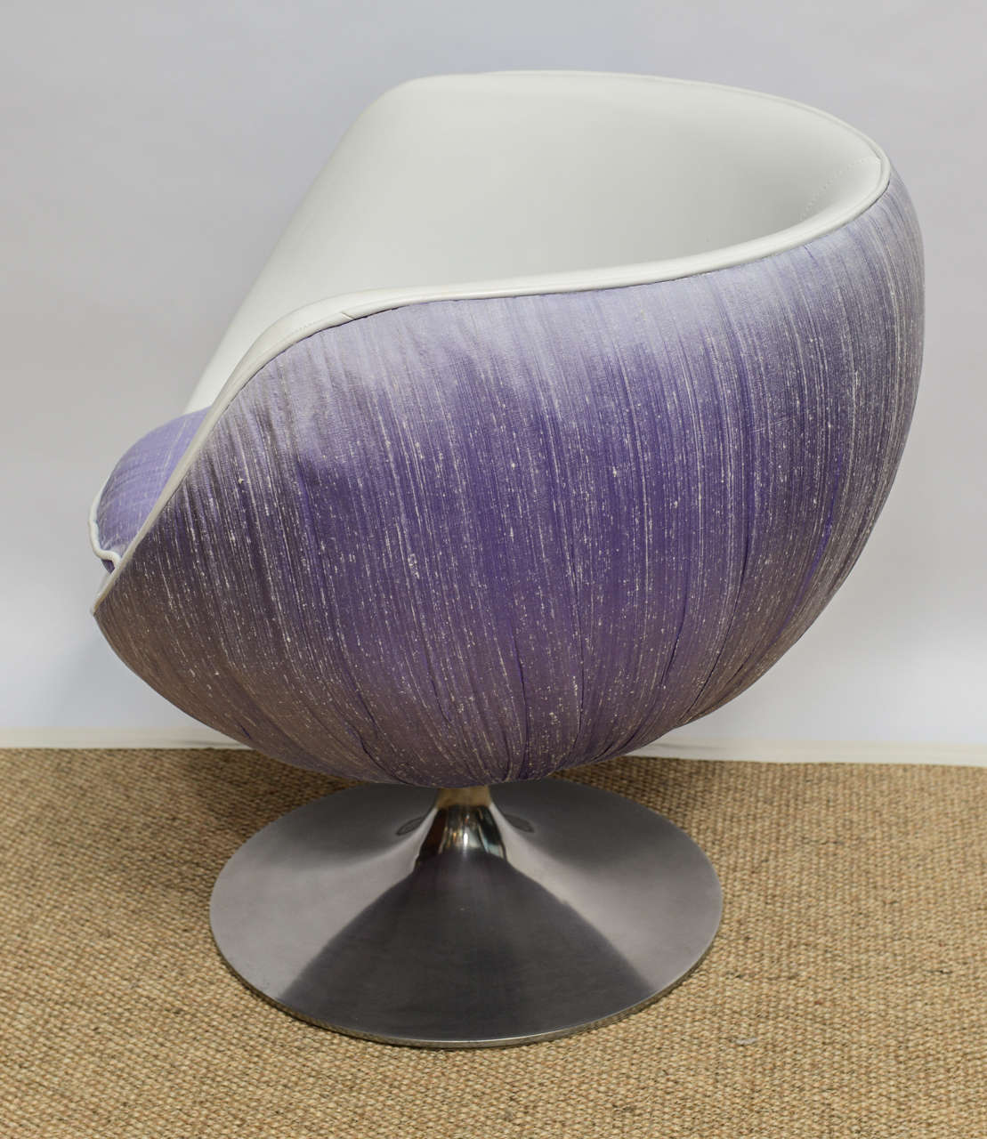 1960's Space Age Swivel Lounge Chair 3