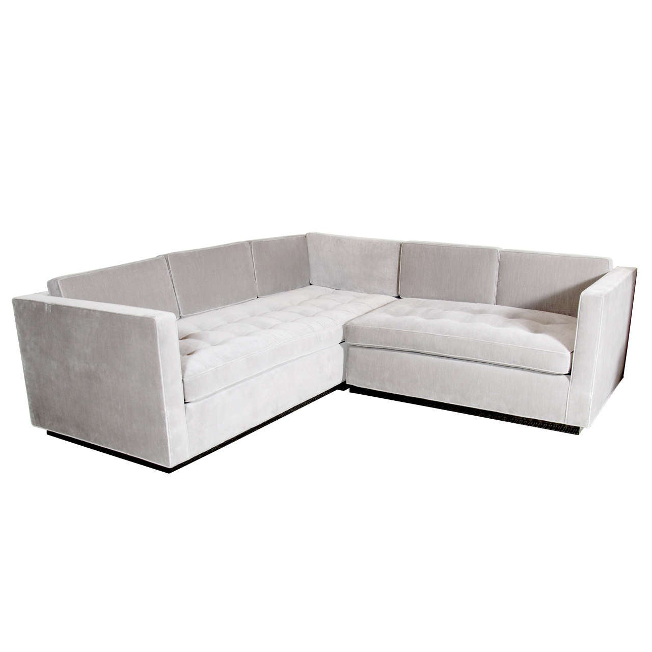 Luxe Modernist Sectional Sofa With Biscuit Tufting In Grey Velvet 1