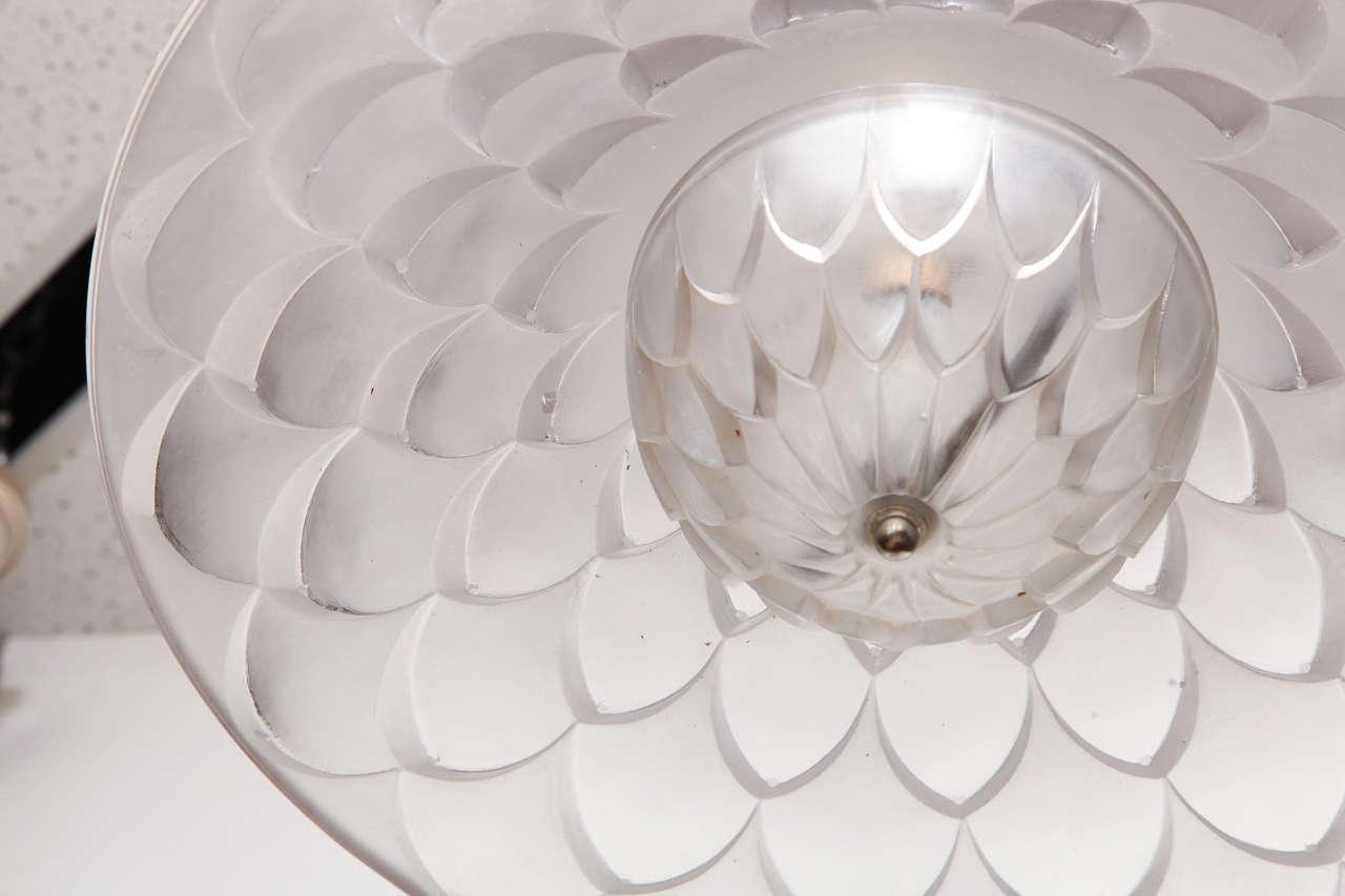 "R. Lalique ""Verone"" Chandelier For Sale 1"