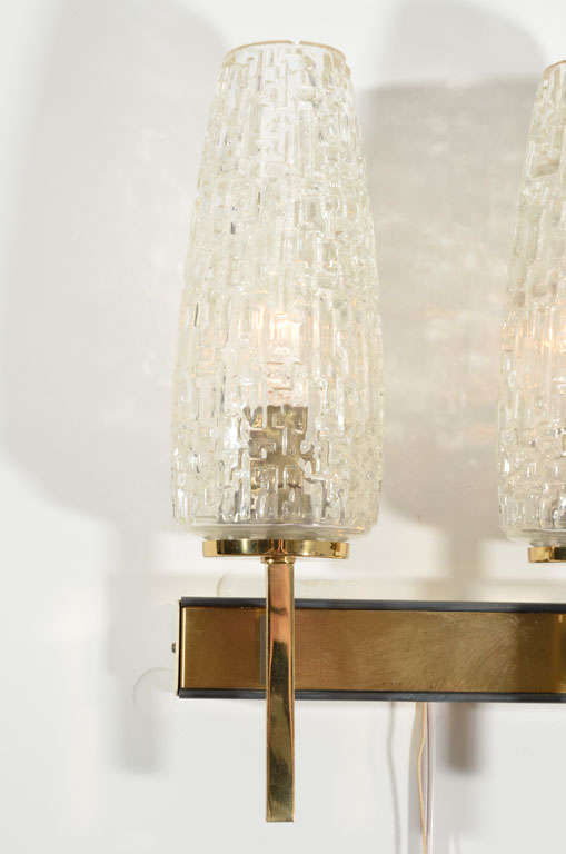 French Two Arm Cut Glass & Brass Wall Sconces In Excellent Condition For Sale In New York, NY