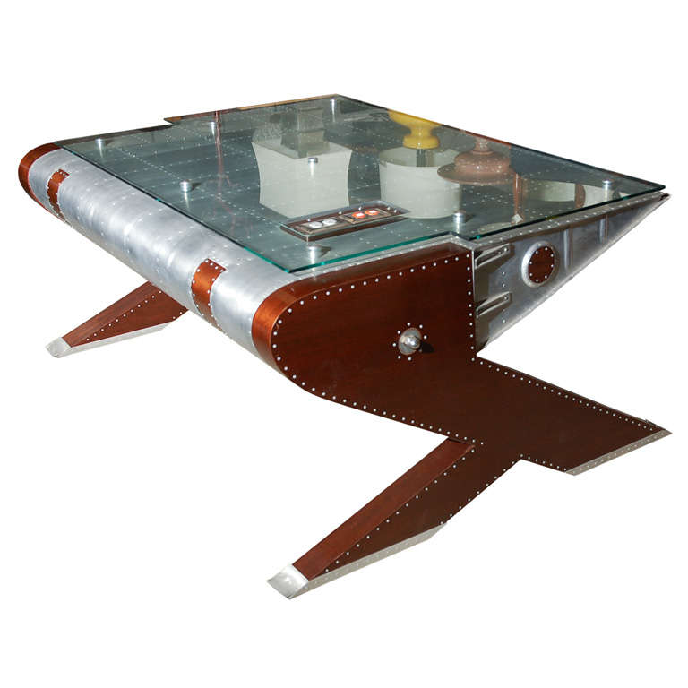 'Airplane' Desk