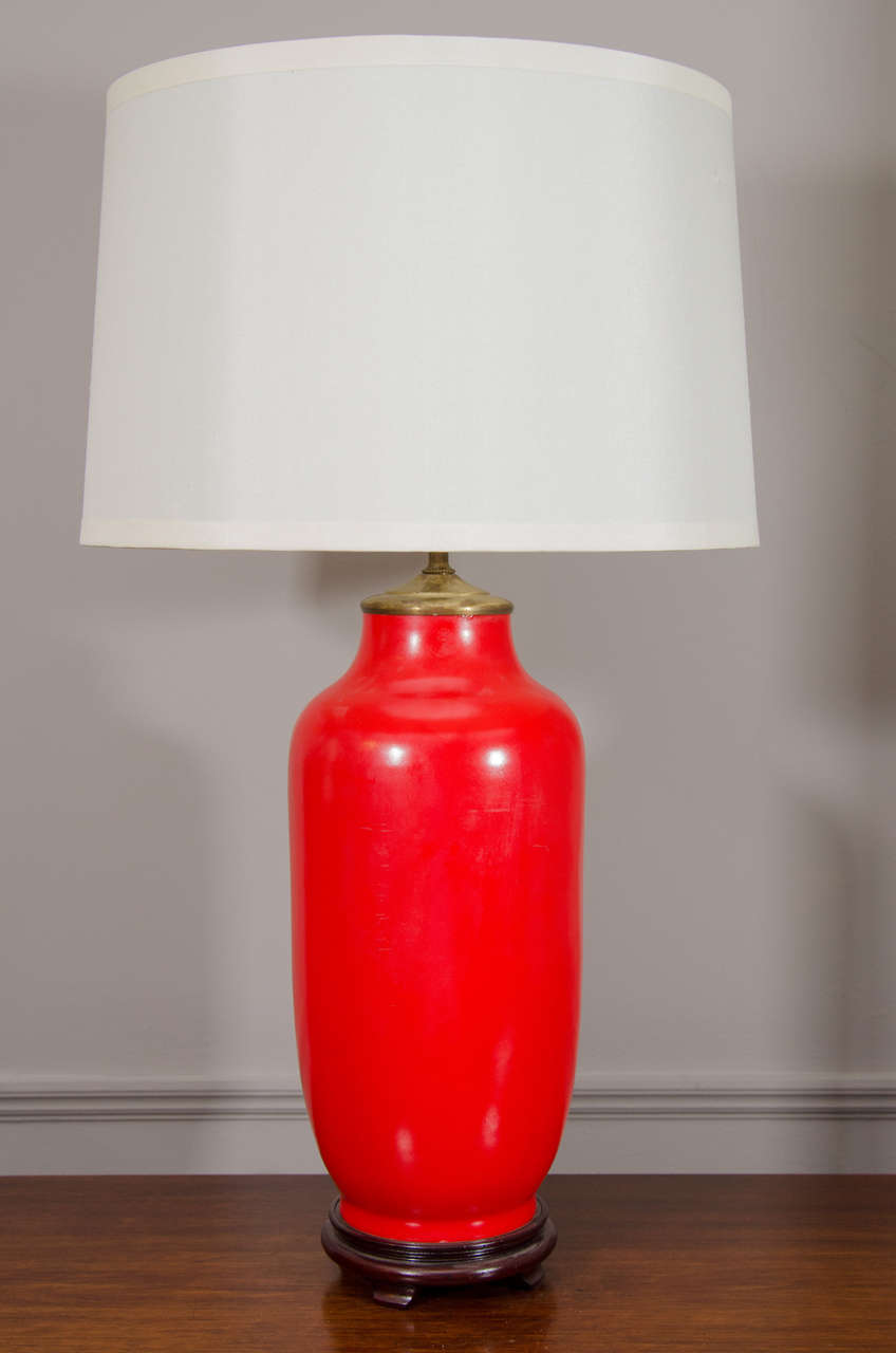 bright red chinese ceramic lamp for sale at 1stdibs. Black Bedroom Furniture Sets. Home Design Ideas