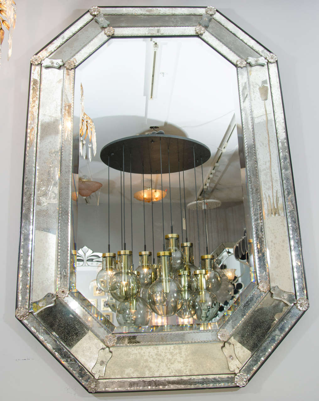 This italian circular wooden wall mirror is no longer available - 1950s Venetian Style Mirror At 1stdibs