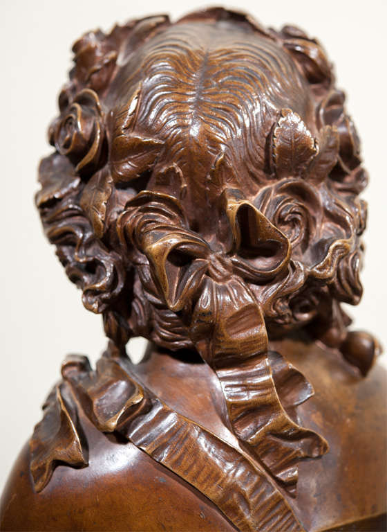 Bronze Bust of a Lady, Signed. For Sale 1