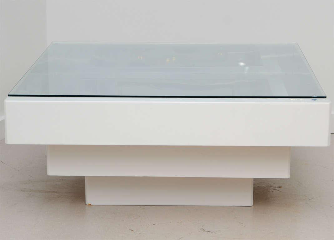 retro white coffee table