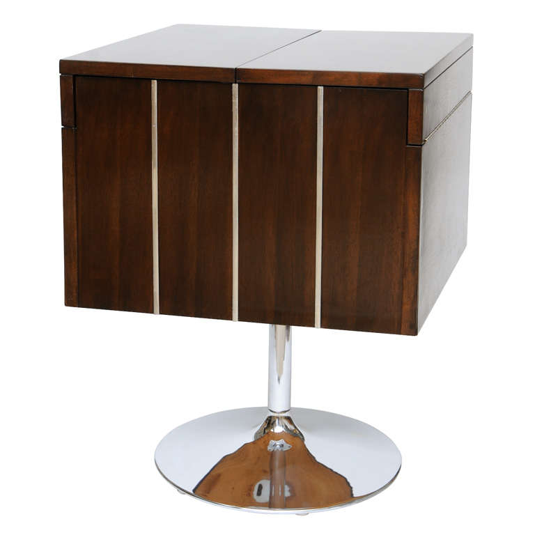 Low walnut dry bar liquor cabinet at 1stdibs for Home dry bar furniture