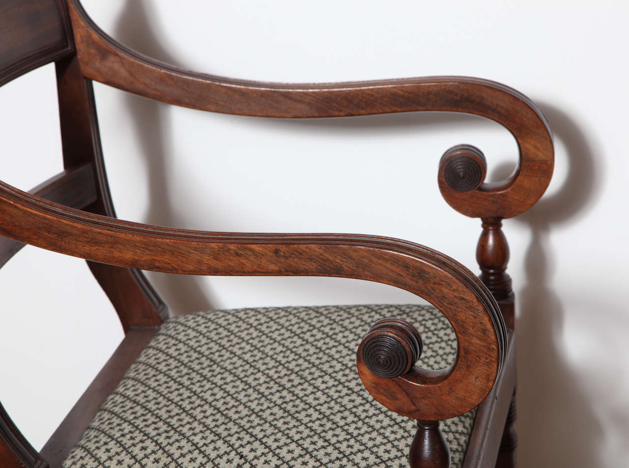 Set of Eight English Regency Dining Chairs In Excellent Condition For Sale In New York, NY