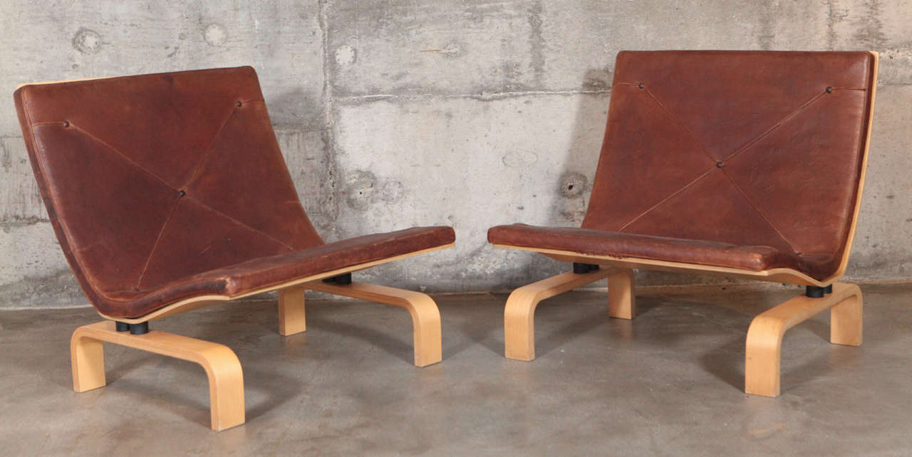 Pair of Poul Kjærholm PK 27 easy chairs manufactured by E. Kold Christensen.