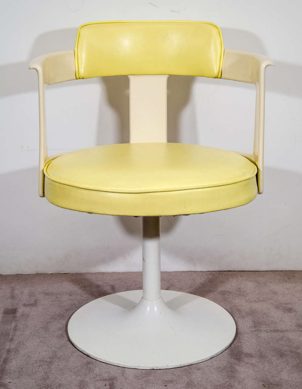 Pair Of Daystrom Tulip Chairs In White And Yellow At 1stdibs