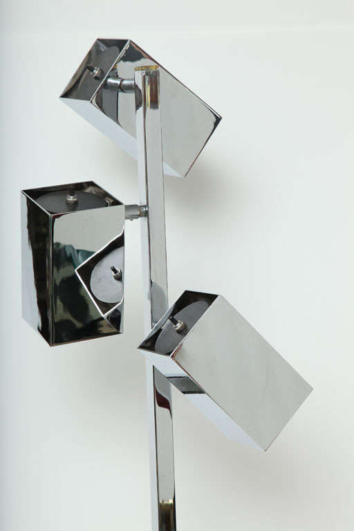 Floor Lamp, Chrome, 3 Heads, C 1960 In Excellent Condition For Sale In New York, NY