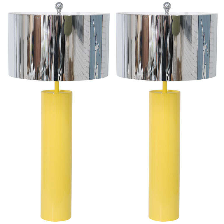 Attractive Tubular 70u0027s Yellow Metal Table Lamps For Sale