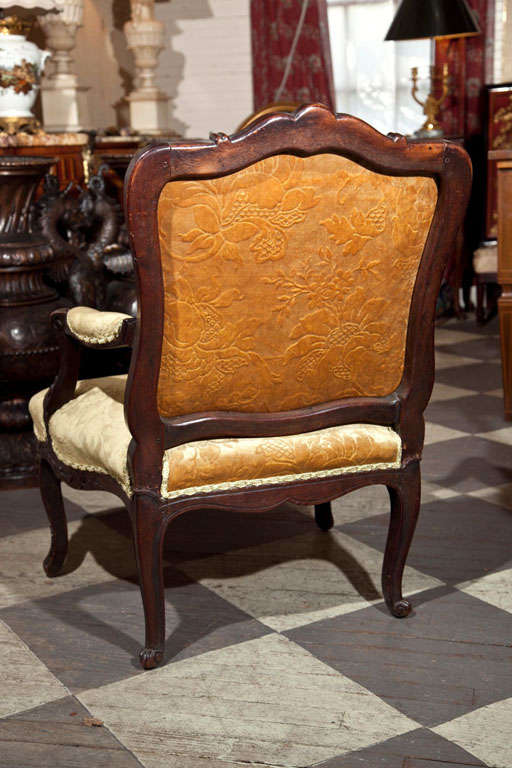 louis xv period fauteuil for sale at 1stdibs. Black Bedroom Furniture Sets. Home Design Ideas
