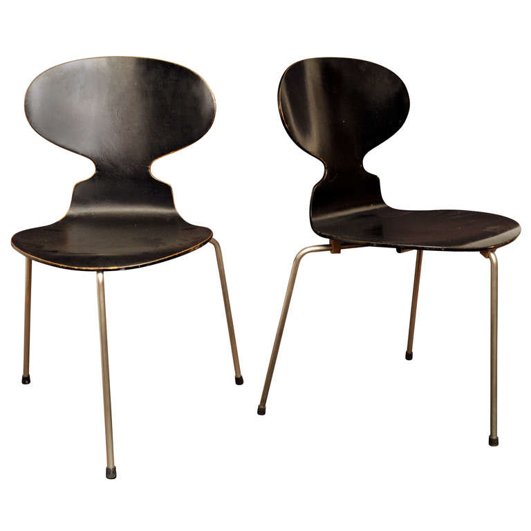 Set of two arne jacobsen ant chairs at 1stdibs for Arne jacobsen chaise fourmi