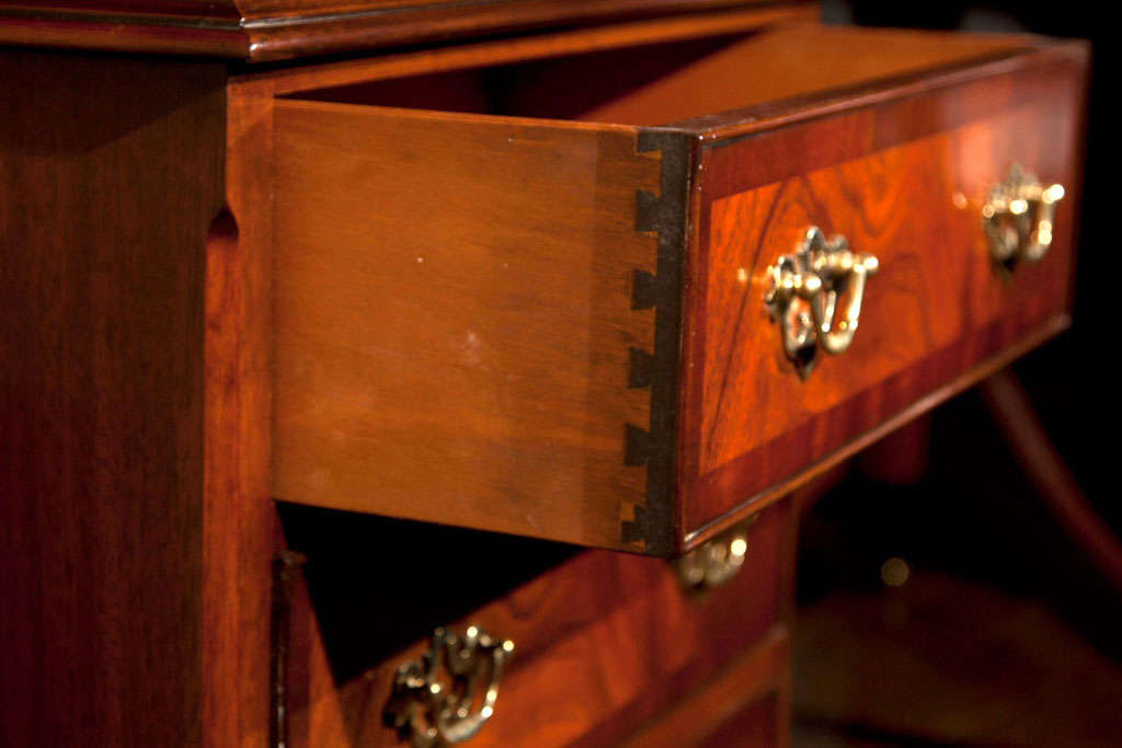Custom English Mahogany Three Drawer Chest In New Condition For Sale In Woodbury, CT