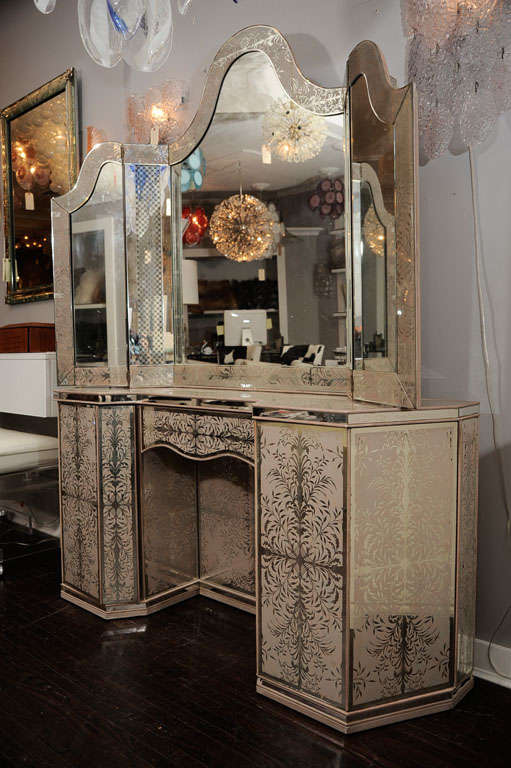 1940 S Egliomise Mirrored Vanity At 1stdibs