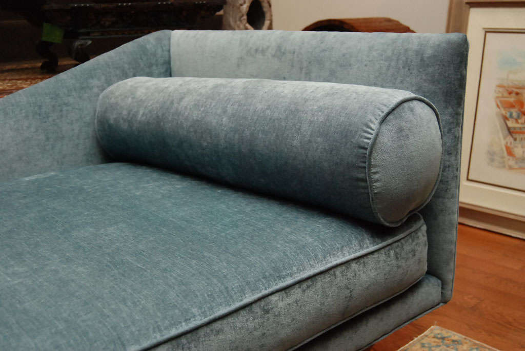 Blue chaise lounge at 1stdibs for Blue chaise sofa