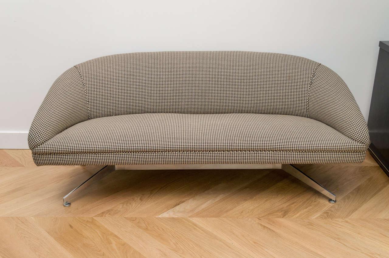 Ward Bennett Sofa with Original Wool Houndstooth Fabric 2