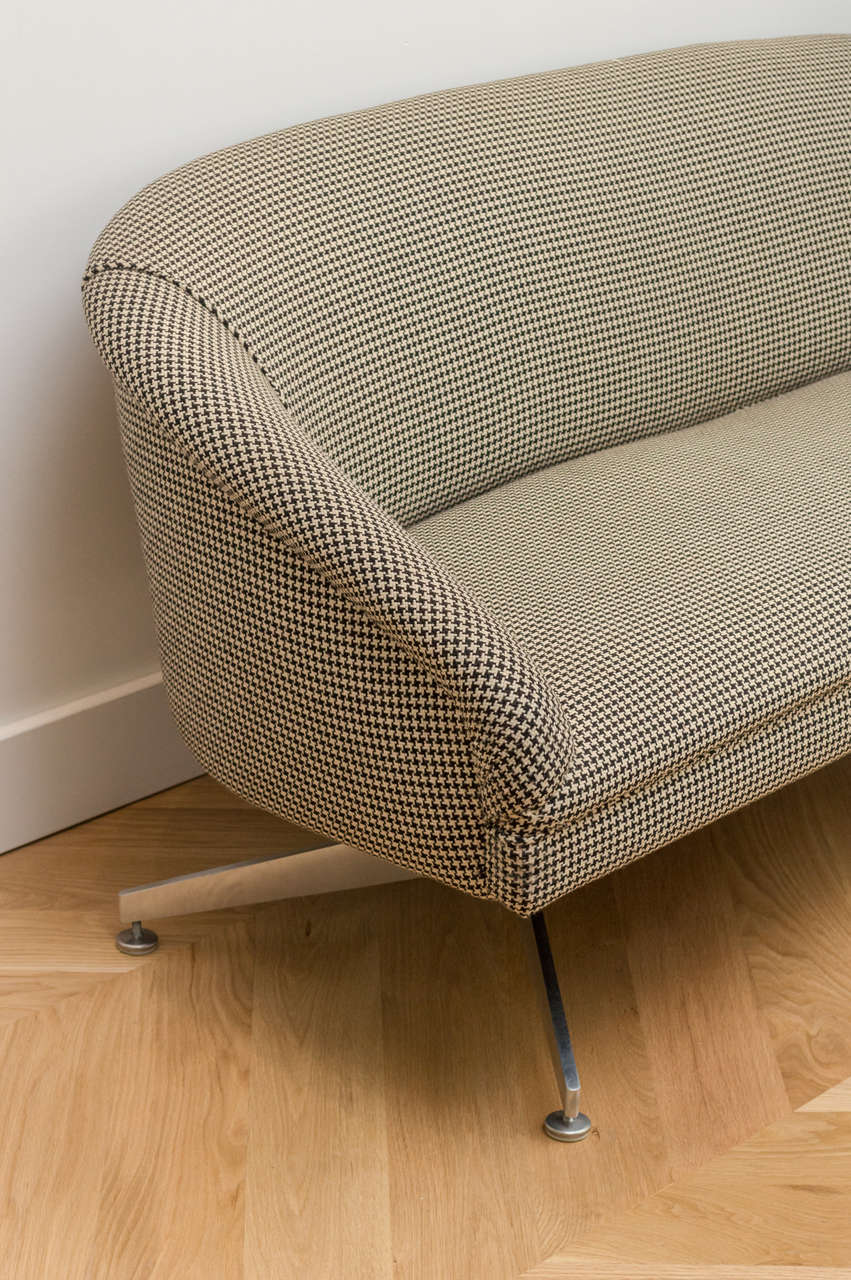 Ward Bennett Sofa with Original Wool Houndstooth Fabric 3