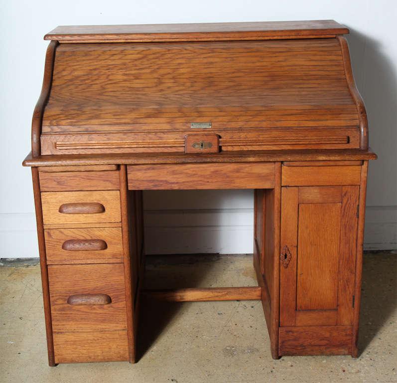 Golden Oak Double Pedestal Roll Top Locking Desk With Key