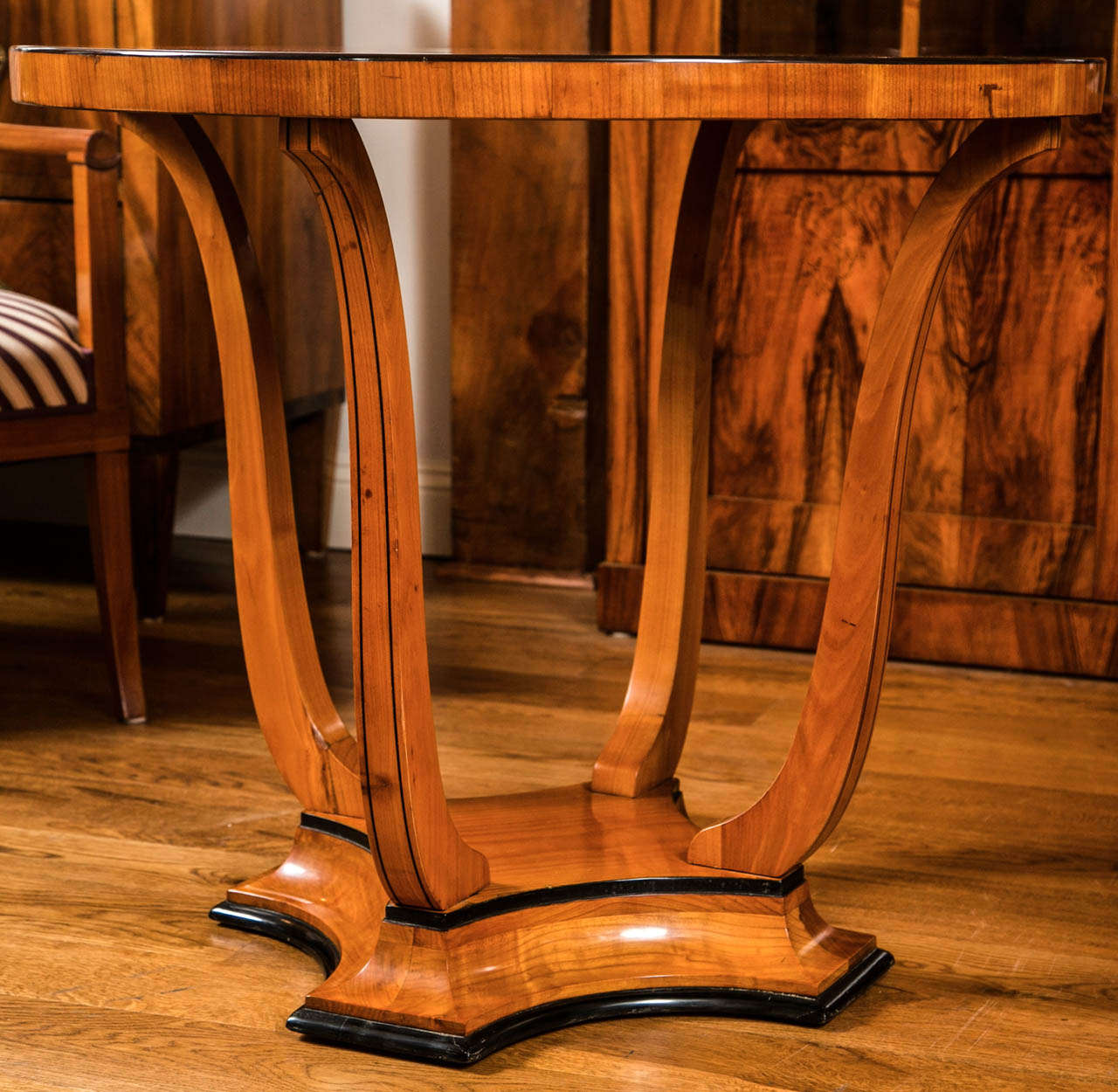 Graceful Art Deco Table For Sale 4
