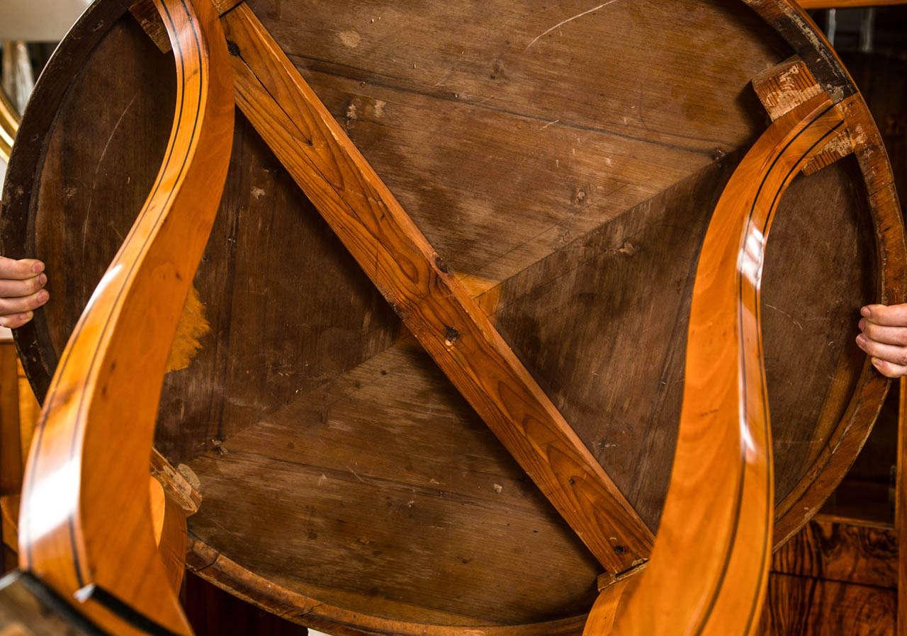Graceful Art Deco Table For Sale 1