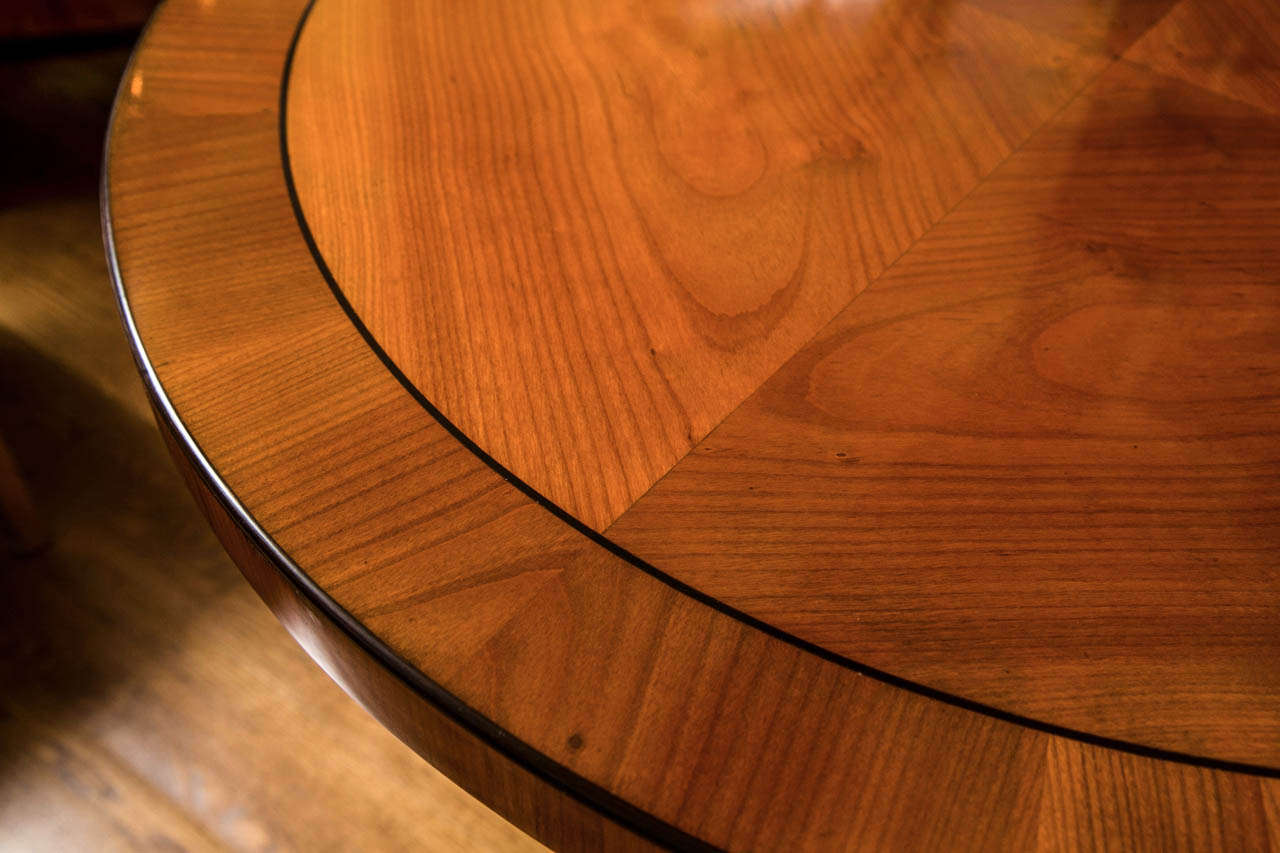 Graceful Art Deco Table For Sale 3