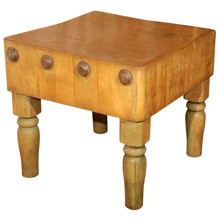 Late 19th Century French Oak Butcher Block Table 1
