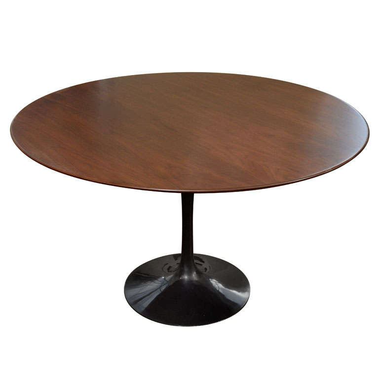 Eero Saarinen Tulip Dining Table With Walnut Top, Mfg. Knoll For Sale