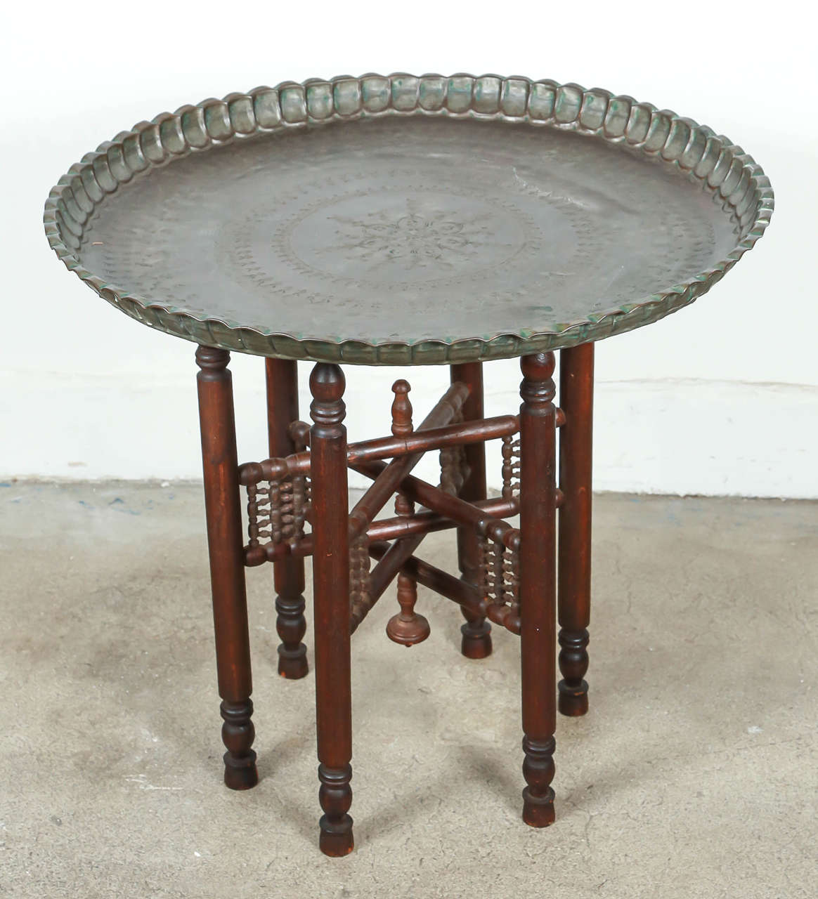 Exceptionnel Persian Mameluke Tinned Copper Tray Table. Very Nice Unusual Persian Dark  Bronzed Color Tray On
