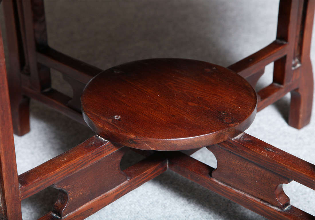 1930s Art Deco Shanghai Coffee Table Made of Varnished Elm with Quadripod Base For Sale 2