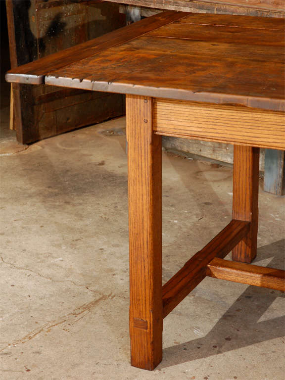 Very Large Oak and Pine Dining Table at 1stdibs : DSC0481 from 1stdibs.com size 576 x 768 jpeg 56kB